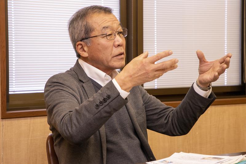 支え合いの地域作りを大事に考える川崎氏。移動の支援、見守りの支援、そして交流の場も必要だと語った