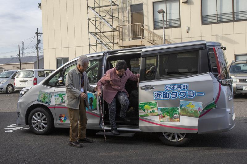 今度は病院に到着。病院は終わりの時間が分かりにくいので帰りはタクシー利用が多いと言うが、病院によっては近助タクシーを利用していることを予め知っているところもあり、診察の終了時間を調整してくれるところもあるという