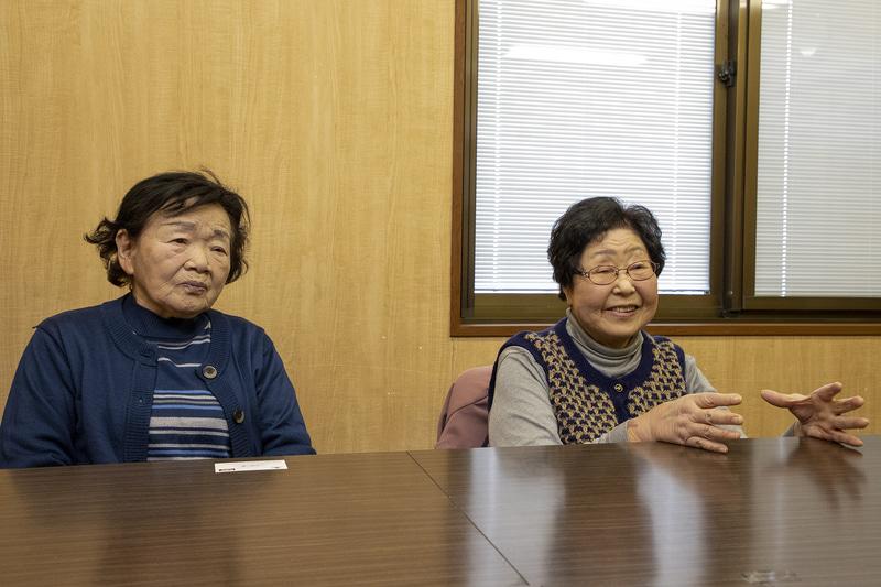 利用者代表としてお話を聞かせていただいたのが今川冨美子さん(右)と荒井とみゑさん(左)