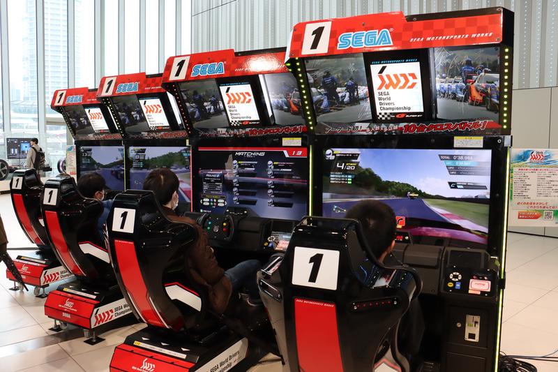 「SEGA World Drivers Championship」試遊コーナーも順番待ちの長い列ができる人気となった