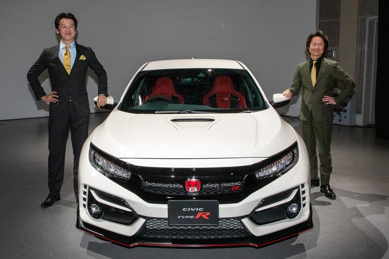 シビックシリーズ開発責任者の松井充氏(左)とTYPE R開発責任者の柿沼秀樹氏(右)