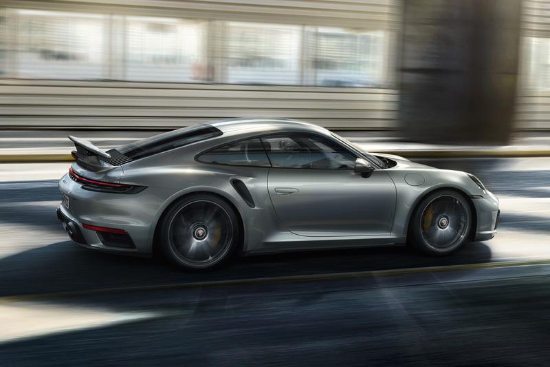 0-200km/h加速は先代モデルから1秒短縮の8.9秒を実現