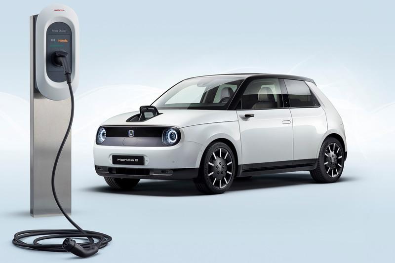 e:PROGRESSサービス開始に先立ち、「Honda e」のデリバリー開始と同時に、EV用充電器「Honda Power Charger(パワーチャージャー)」を欧州で発売する
