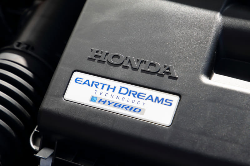 e:HEVは、エンジンの最高出力が98PS/5600-6400rpm、最大トルクが127Nm/4500-5000rpm。モーターは最高出力109PS/3500-8000rpm、最大トルク253Nm/0-3000rpm