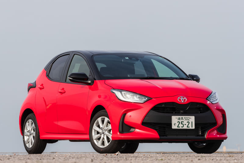 今回試乗したのは、新開発の直列3気筒DOHC 1.5リッター直噴ガソリン「M15A-FKS」型エンジンにDirect Shift-CVTを組み合わせる2WD(FF)の「ヤリス G」(175万6000円)。2WD車のボディサイズは3940×1695×1500mm(全長×全幅×全高。4WD車の全高は1515mm)で、ホイールベースは2550mm