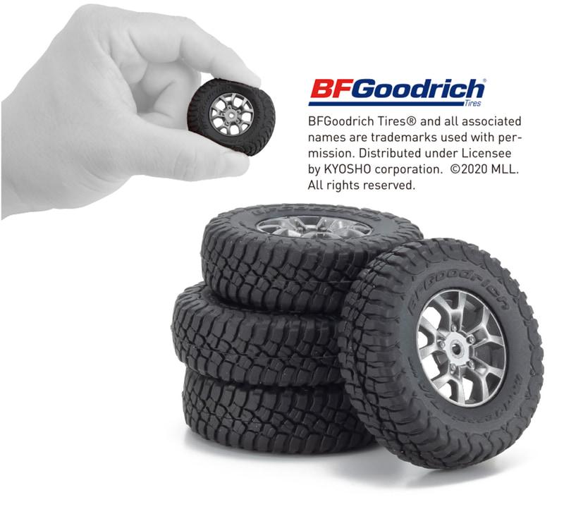 BFGoodrichの「Mud-Terrain TA KM3」を再現し、大径ホイールデザインとガンメタリックアルミカラーを表現。ボディやシャシーが実車ライクなミニッツ4×4のスケール感の高さを際立たせている