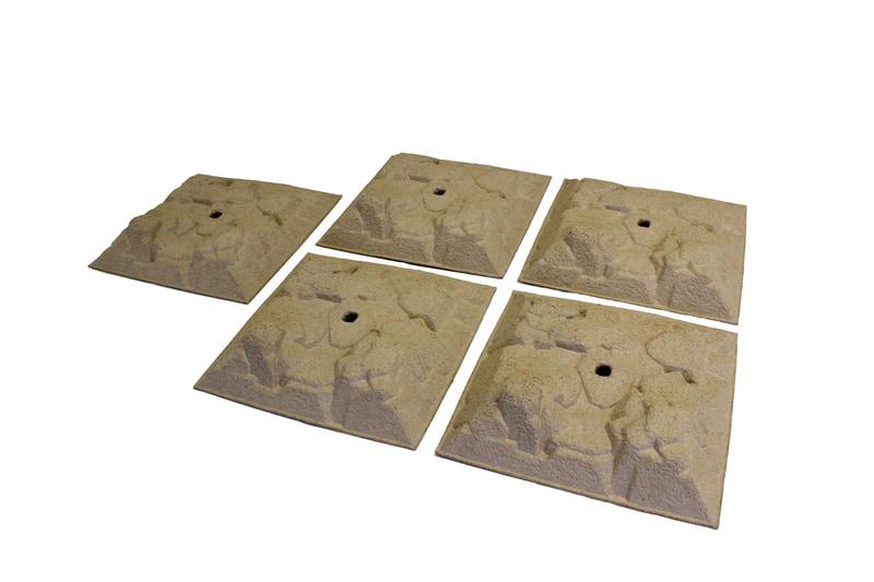 インドアで楽しく遊べるミニッツ4×4用岩場地形「ミニッツ 4×4 スタッカブル テレイン(5ピース:MXW006)」も同時発売。価格は6000円(税別)