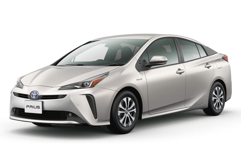 普通・小型自動車部門1位はトヨタ自動車「プリウス」。JC08モード燃費は39.0km/L