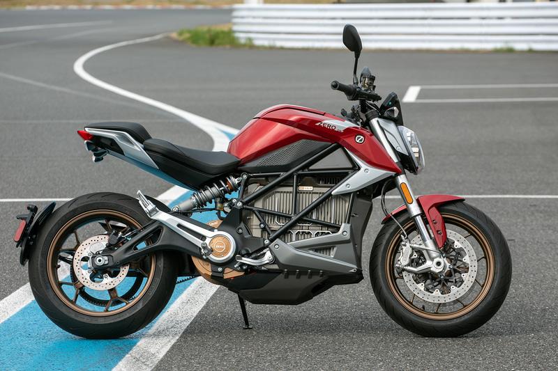 MSソリューションズの電動バイクセレクトブランド「XEAM」で扱うZero MotorCycles製の大型電動バイク SR/F。販売予定価格は300万円(税別)
