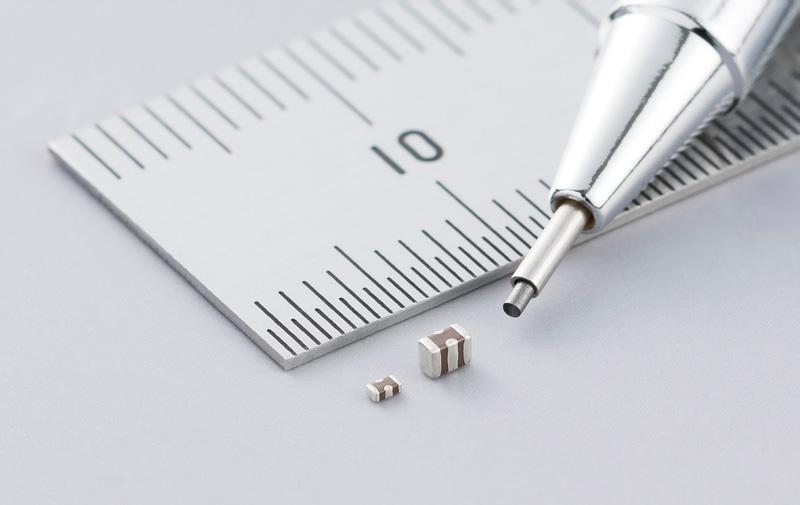 世界最小と世界最大静電容量の三端子低ESL積層セラミックコンデンサ