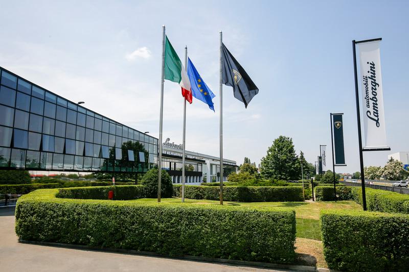 ランボルギーニが5月4日から生産活動を再開すると発表