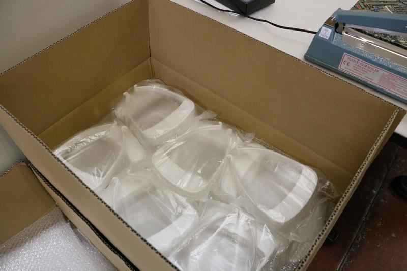 バリなどを取り、アルコール除菌された後、チリなどが付かないよう4個ずつ袋で密閉されて出荷される