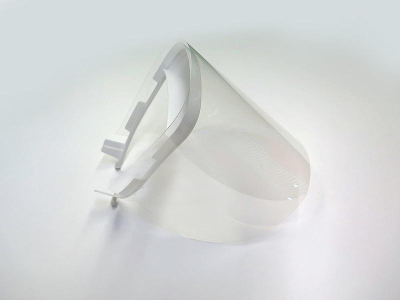 シールドフィルムとの組み立ては締結部材は用いずスリットで引っかけられる形状とした
