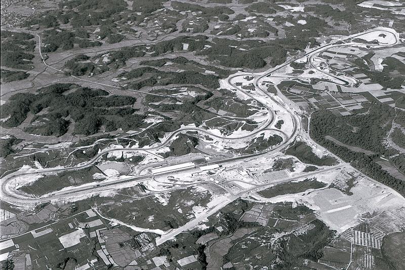 1962年、完成間近の鈴鹿サーキット