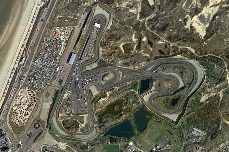 オランダ、ザントフォールト・サーキット(Googleマップ)。「1コーナー~S字が鈴鹿に似てる」が、2018年のWTCR(世界ツーリングカーカップ)の映像を見ると鈴鹿よりは小さめに見えた