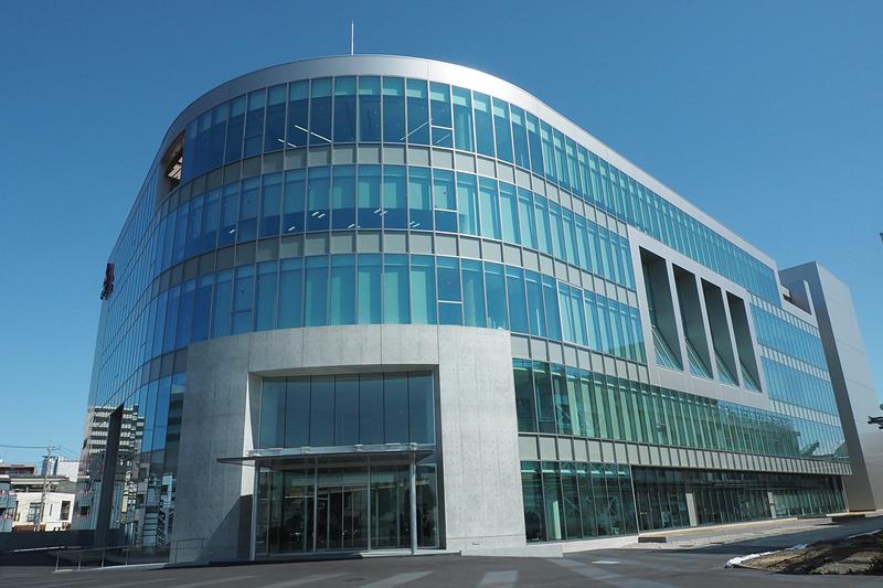 三菱ふそうの新社屋「プロダクト・センター」