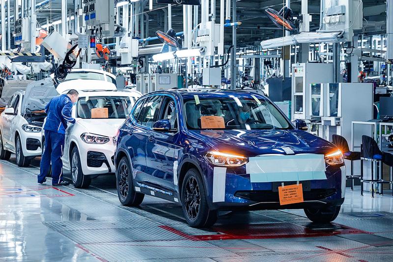 BMWブランド初の新型EV(電気自動車)「iX3」