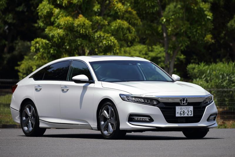 新型「アコード」は2月に日本での販売を開始したハイブリッドセダン。「EX」のみのワングレード展開で、価格は465万円。ボディサイズは4900×1860×1450mm(全長×全幅×全高)で、ホイールベースは2830mm。車両重量は1560kg