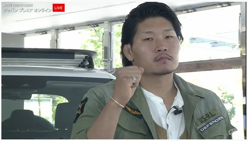 """""""笑わない男""""のニックネームどおり、稲垣選手はライブ配信中に終始引き締まった表情を見せていた"""