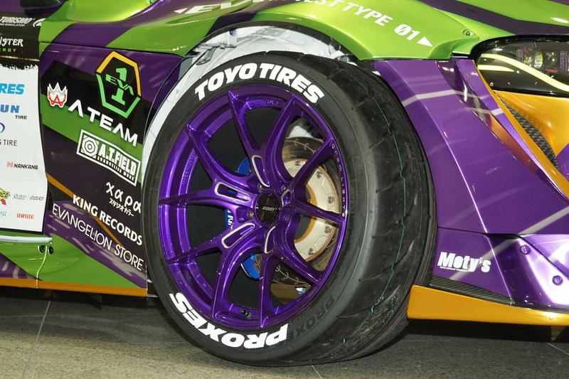 タイヤはTOYO TIRES「PROXES R888R Drift」を装着