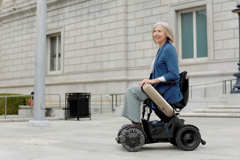 移動困難な人をサポートしてくれるパーソナルモビリティ「WHILL Model C」