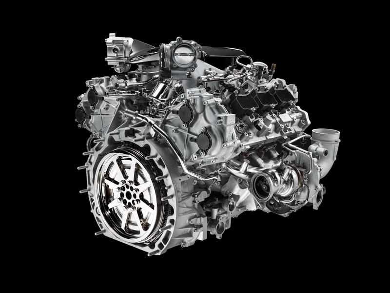 最高出力630PS/7500rpm、最大トルク730Nm/3000-5500rpmを発生するV型6気筒 3.0リッターツインターボエンジン