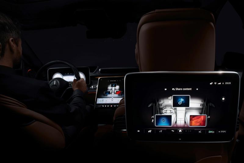 コンテンツを車内の乗員と簡単に共有できる