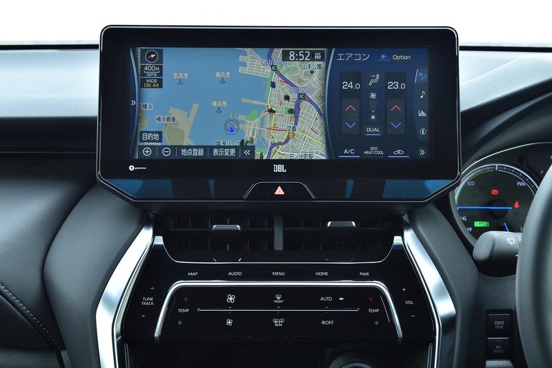 試乗車はメーカーオプションのT-Connect SDナビゲーションシステム+JBLプレミアムサウンドシステムを装着。SDL(スマートデバイスリンク)やApple CarPlay、Android Autoといったスマートフォン連携のほか、万が一の際のヘルプネットなどの「T-Connect」機能を利用できる