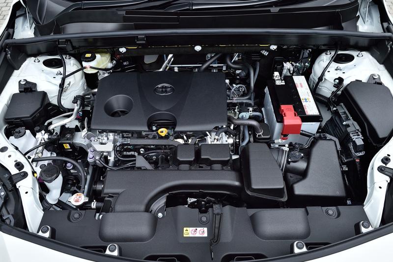ガソリンモデルに搭載されるのは最高出力126kW(171PS)/6600rpm、最大トルク207Nm(21.1kgfm)/4800rpmを発生する直列4気筒2.0リッター直噴「M20A-FKS」型エンジン