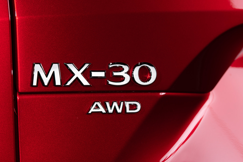 「MAZDA MX-30」マイルドハイブリッドモデル(国内仕様)