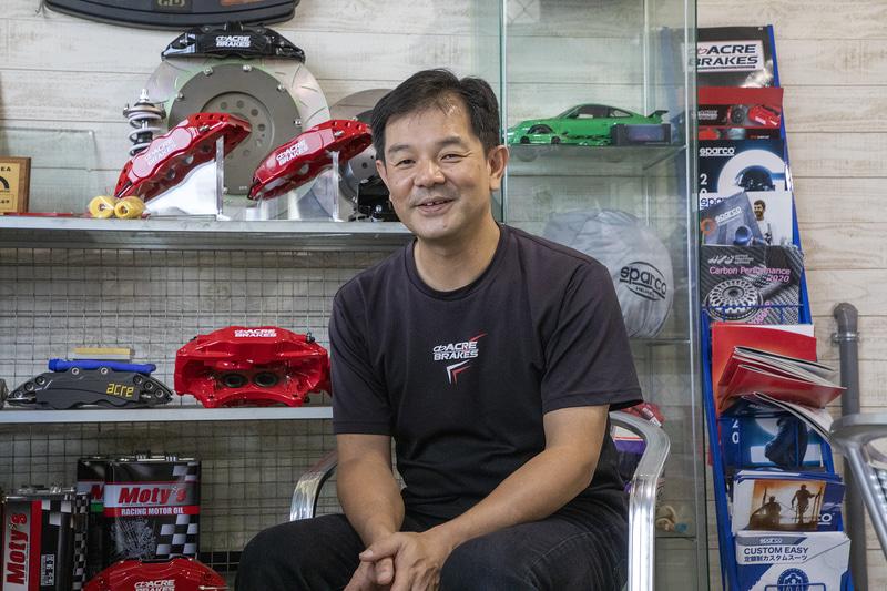 こちらは株式会社アクレの広報・営業担当の濱田氏。ディスクローターのオーダー受付担当者でもある