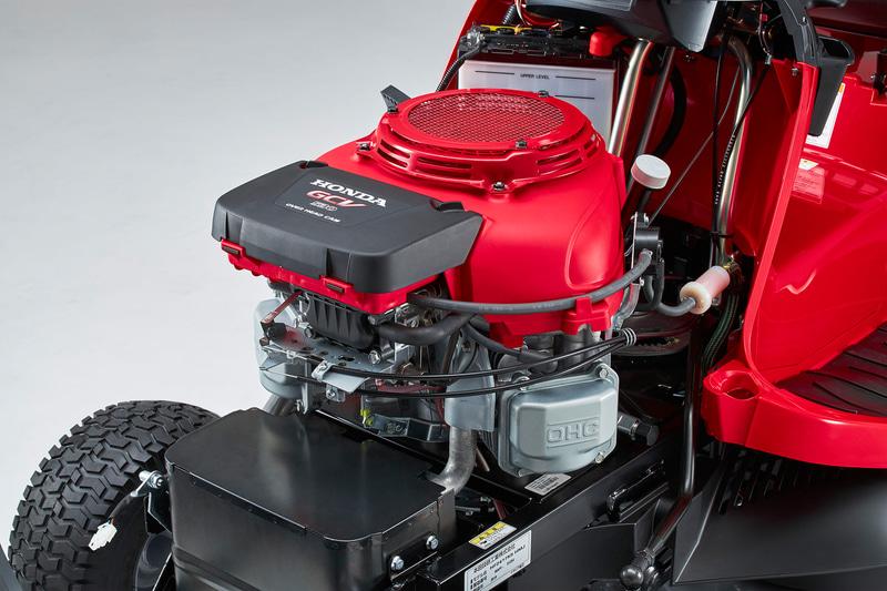 最大出力11.3kW(15.4PS)/3600rpmを発生する強制空冷4ストロークのV型2気筒OHC 530cm<sup>3</sup>エンジンを搭載