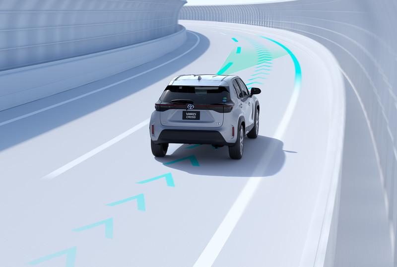 同一車線内中央を走行できるよう操舵を支援するレーントレーシングアシスト