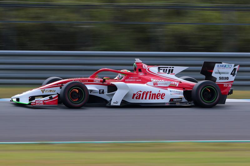 3位は、この開幕戦がデビュー戦となる4号車 サッシャ・フェネストラズ選手(ORIENTALBIO KONDO SF19/トヨタ)