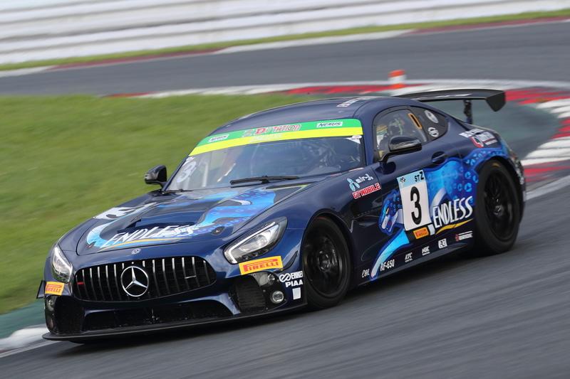 ST-Zクラス優勝 3号車 ENDLESS AMG GT4(内田優大、山内英輝、高橋翼、山田真之亮、富田竜一郎組)