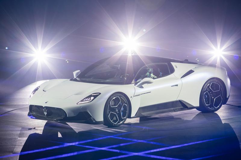 新型スーパースポーツカー「MC20」のワールドプレミアイベント「MMXX」