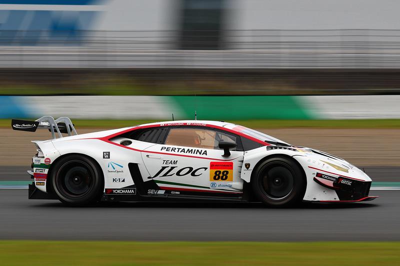 2位は88号車 JLOC ランボルギーニ GT3(小暮卓史/元嶋佑弥組、YH)