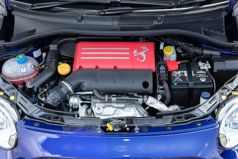 標準の595C比で20PS増となる最高出力165PSの1.4リッターターボエンジンを搭載