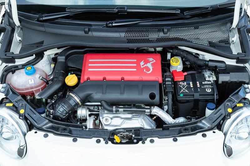 エンジンは最高出力132kW(180PS)/5500rpm、最大トルク230Nm(23.5kgfm)/2000rpmまで強化される
