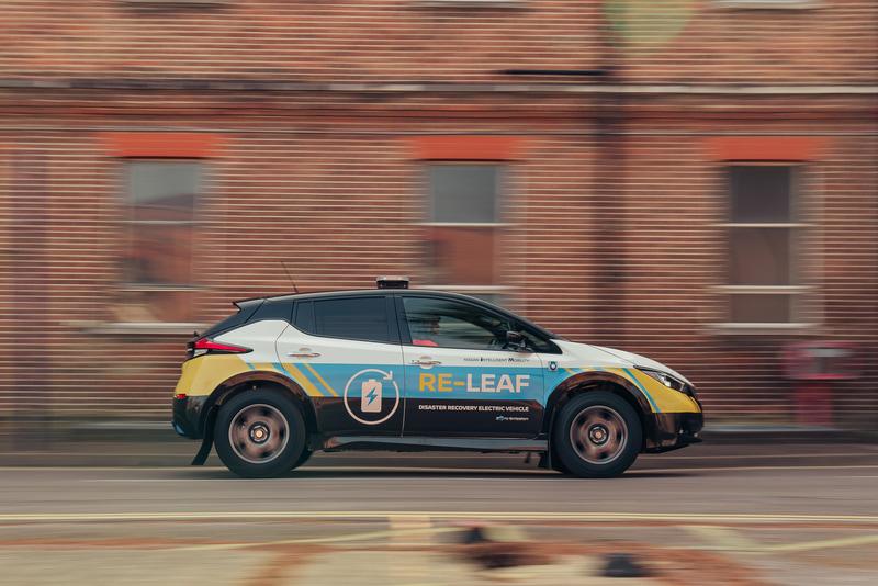 RE-LEAFでは最低地上高を225mmに引き上げるなど、悪路走行を可能にしている