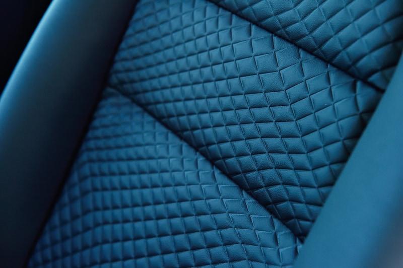 シート表皮はベースモデルではオーテック扱いのオプションとなる防水シート(ネオソフィール/パートナーコンビシート)を標準装備する