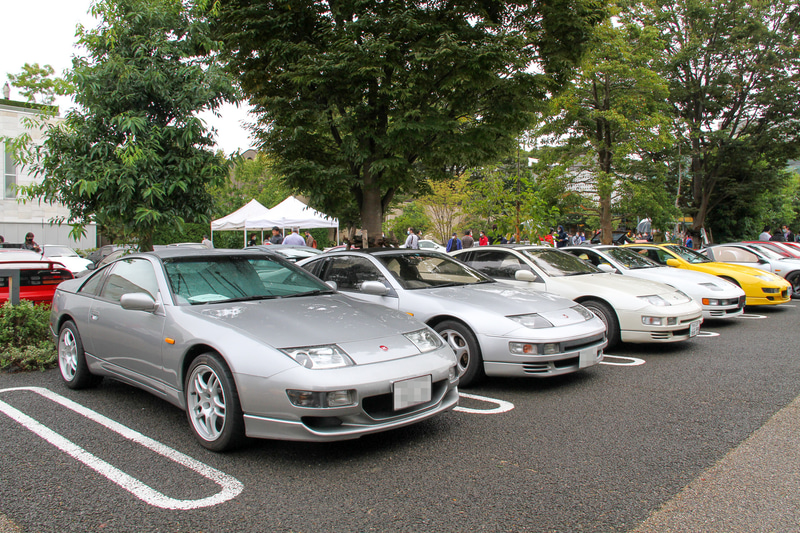 歴代フェアレディZが代官山 T-SITEの駐車場を埋め尽くした