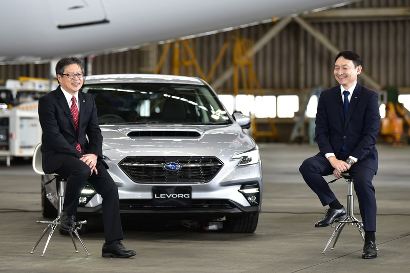 JAL北田氏(左)、新型レヴォーグ開発責任者 五島賢氏(右)によるエンジニア同士の対談