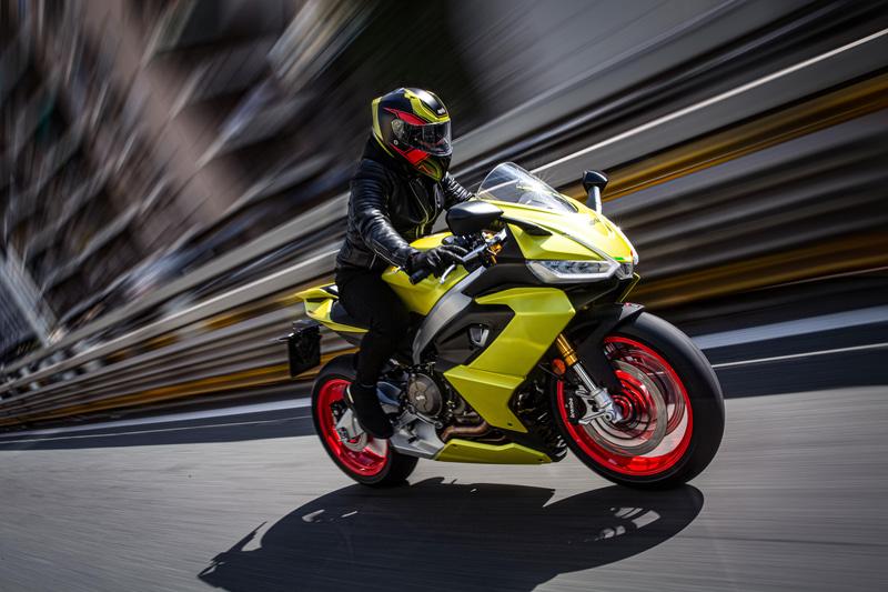 新型ライトウェイトミドルスポーツ「RS 660」