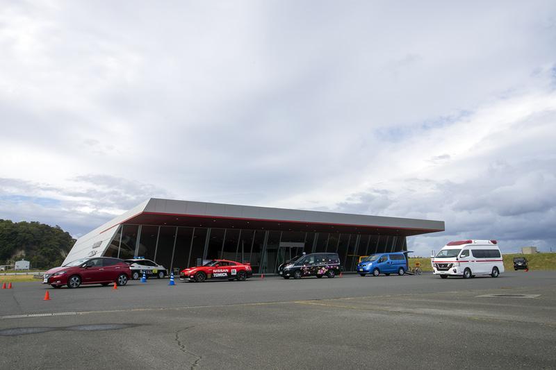 日産自動車株式会社の日産追浜事業所内にある「グランドライブ」で開催された「はたらくクルマ2」。今回はコロナ禍などに絡んだクルマが揃えられた