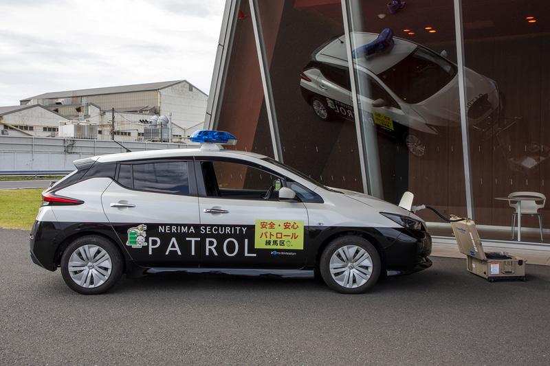 練馬区が所有するリーフ 青色防犯パトロールカー