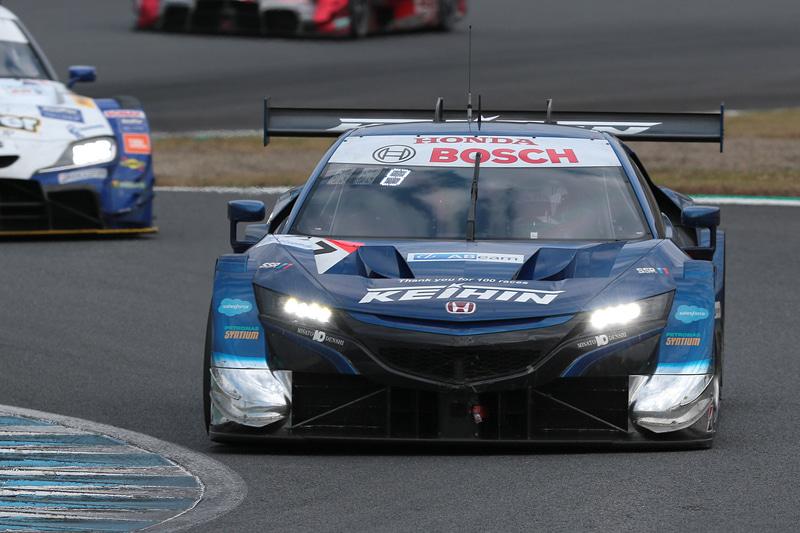 5位に入った17号車 KEIHIN NSX-GT(塚越広大/ベルトラン・バゲット組、BS)。17号車はシリーズランキングトップに立った