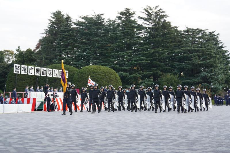 女性警察官機動隊