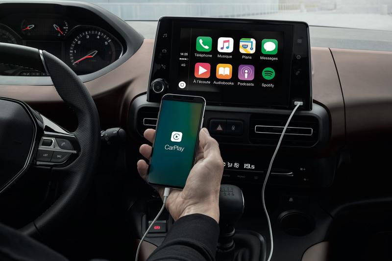 Peugeotミラースクリーン(Auto Android/CarPlay Apple)に全車対応