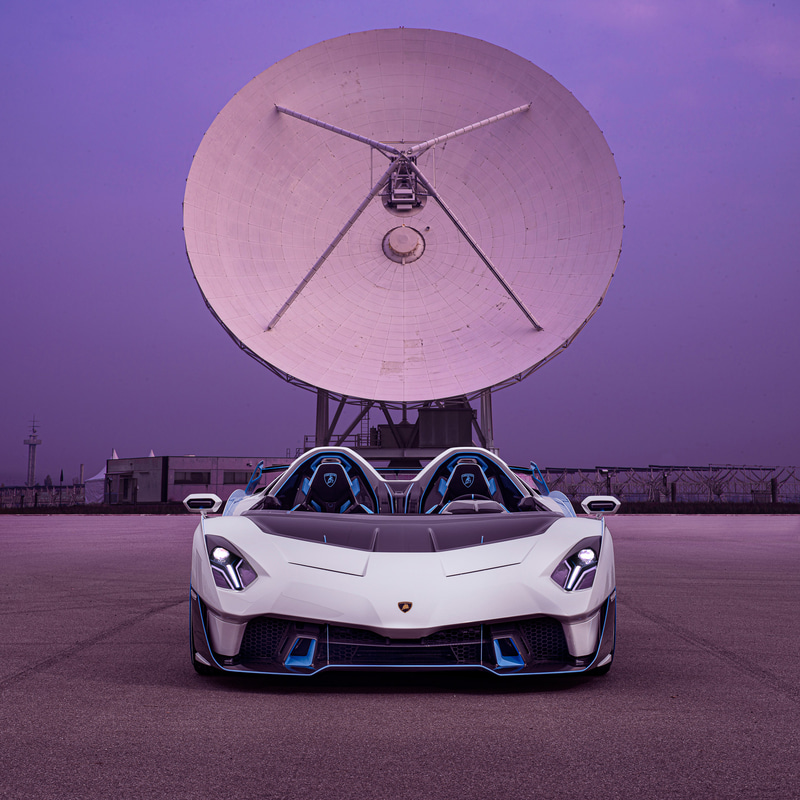 最高出力770CV/8500rpm、最大トルク720Nm/6750rpmを発生するV12エンジンを搭載